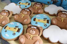 Chá de bebê de menino, tema ursinho aviador, cata-vento, decoração, Festas Bella Fiore