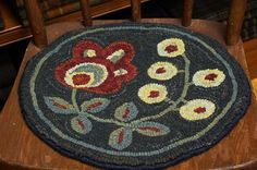 Rug Hooking Pattern on Primitive Linen Two by DesignsInWool. Handmade Rugs, Handmade Crafts, Handmade Products, Rug Hooking Patterns, Rug Patterns, Monks Cloth, Circle Rug, Hand Hooked Rugs, Penny Rugs