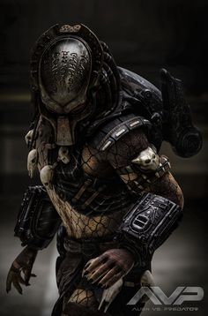 Predator Comics, Wolf Predator, Predator Hunting, Predator Movie, Alien Vs Predator, Predator Cosplay, Predator Costume, Terminator Movies, Avas Demon