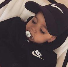 Imagen de baby, nike, and boy Cute Baby Boy, Cute Little Baby, Cute Baby Clothes, Cute Kids, Baby Baby, Baby Nike, Baby Swag, Cute Mixed Babies, Cute Babies
