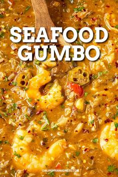 Seafood Gumbo - A flavorful seafood gumbo recipe with loads of shrimp, white fish, crab and oysters, all with plenty of Cajun seasonings. It's heaven in a bowl. #Cajun #Seafood #Dinner via @chilipeppermadness Creole Recipes, Cajun Recipes, Easy Soup Recipes, Seafood Recipes, Cajun Food, Cajun Seafood Recipe, Cajun Rice, Pepper Recipes, Vegetarian Recipes