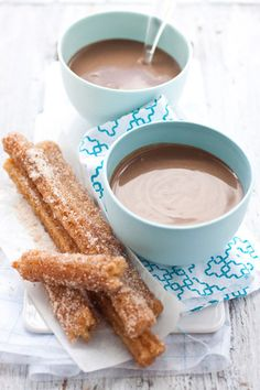 churros with chocolate dipping sauce