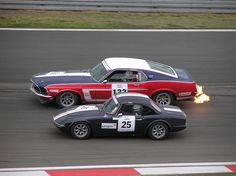 Obviously two different philosophies  – Ford Mustang Boss 302 meets Lotus Elan at the Oldtimer Festival 2005