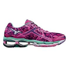 Womens Mizuno Wave Creation 15 Running Shoe This may quite possibly be my next marathon shoe! Marathon Running Shoes, Running Gear, Workout Attire, Workout Wear, Workout Tanks, Mizuno Shoes, Gym Gear, Womens Workout Outfits, New Shoes
