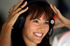 Jessica Michibata in the McLaren Garage, Friday Practice, Circuit de Catalunya