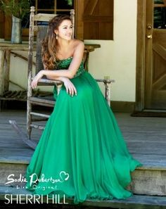 I love love love this emerald dress!