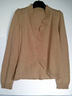 Giacca in lana fatta a mano.