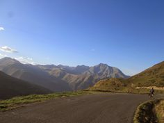 Descending the Col de Val Louron Azet (1580m) towards Saint Lary Soulan - Tour de France 2014