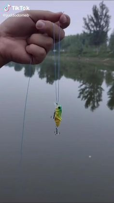 Fishing Knots For Lures, Bass Fishing Bait, Ice Fishing Gear, Carp Fishing Rigs, Crappie Fishing Tips, Fishing Tools, Metal Clock, Fishing Techniques, Fish Hook