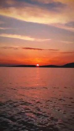 Beautiful Nature Pictures, Beautiful Nature Scenes, Beautiful World, Nature Videos, Nature Gif, Sky Aesthetic, Aesthetic Videos, Aesthetic Photography Nature, Sunset Colors