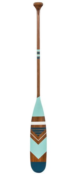 Paddle by Ropes and Wood Beach House Style, Beach House Decor, Diy Home Decor, Oar Decor, Coastal Decor, Coastal Style, Miramonti Boutique Hotel, Painted Oars, Wooden Canoe