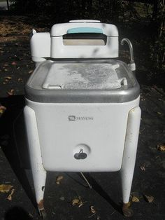 """Maytag Washing Machine I """"helped"""" momaw do laundry, pulled the clothes from the wringer into the rinse water Antique Washing Machine, Maytag Washing Machine, Portable Washing Machine, Washing Machines, Vintage Decor, Vintage Antiques, Retro Vintage, Vintage Ideas, Vintage Laundry"""