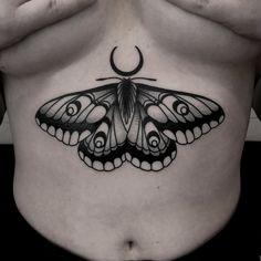 Pretty Tattoos, Cute Tattoos, Black Tattoos, Body Art Tattoos, Belly Tattoos, Stomach Tattoos, Dope Tattoos For Women, Tatuaje Old School, Insect Tattoo