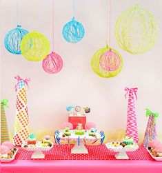 DIY Tutorial: Creative Yarn Chandelier Centerpieces, perfect for a Candyland theme birthday! Birthday Party Decorations Diy, Diy Birthday, Birthday Parties, Birthday Ideas, Wedding Decorations, Yarn Lanterns, String Lanterns, Balloon Lanterns, Yarn Chandelier