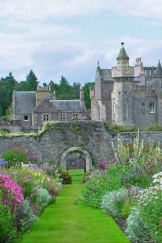 Abbotsford House, Scotland - Historic home of the poet & author, Sir Walter Scott (12 pieces)
