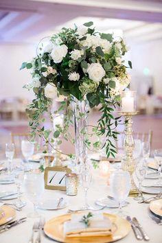 Hunter Ryan Photo; gold and green wedding reception idea