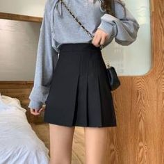 Cute Skater Skirts, Skater Skirt Outfit, Mini Skater Skirt, Mini Skirt Dress, A Line Mini Skirt, Fitted Skirt, Cute Skirts, Skirt Outfits, Pleated Skirt