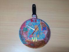 Con el paso del tiempo hay utensilios de cocina que dejan de utilizarse por diferentes motivos. Para darle un uso práctico puedes reciclarlos y convertirlos en otros objetos. Una opción eshacer un reloj de cocina con una sartén.  ¿Qué materiales son necesarios para hacer un reloj de cocina con una ...