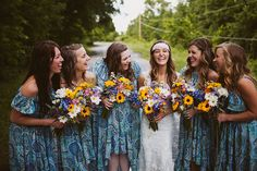 Photo by http://sincerelykinsey.blogspot.com // Flowers by http://helovesmeflowers.com