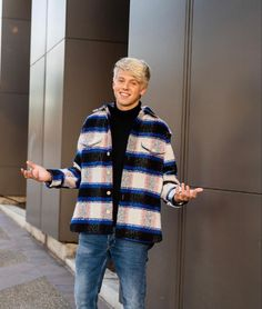 Carson Lueders, Men Casual, Sweaters, Mens Tops, Nice Boys, Handsome Boys, Twitter, Fashion, Pretty Boys