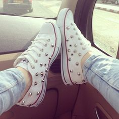 ♥ White studded spiked converse all star shoes ♥ Studded Converse, Studded Sneakers, White Converse, Converse All Star, Converse Shoes, High Top Sneakers, Shoes Sneakers, Shoes Heels, Bedazzled Converse