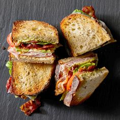 Avocado BLT Club Sandwiches Adding a few extra ingredients to your BLT will make it even better. These hearty sandwiches include classic BLT ingredients, plus turkey, ham, and avocado slices. Club Sandwich Receta, Turkey Club Sandwich, Club Sandwich Recipes, Avocado Sandwich Recipes, Vegetarian Sandwiches, Sandwich Board, Healthy Sandwiches, Chicken Sandwich, Cuisine