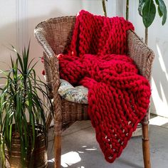 Your Lifestyle by Donna Sharp Chunky Knit Throw - Overstock - 21529411 Chunky Knit Throw Blanket, Cable Knit Throw, Cotton Blankets, Throw Blankets, Soft And Gentle, Arm Knitting, Fashion Room, Knitted Blankets, Cuddle