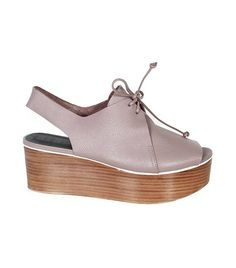 c45922f4d5d The Best Shoes to Wear With Flared Jeans