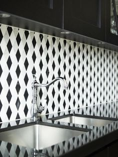 Two well designed small kitchens from one interior designer.  Here I bring you two kitchens from talented Australian designer Greg Natale . ...