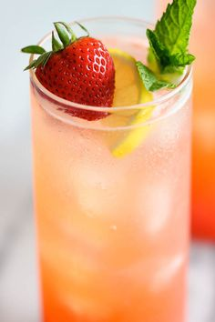 Sparkling Strawberry Lemonade (1/2 cup Extra Fine Granulated Sugar 1 pound strawberries 3/4 cup freshly squeezed lemon juice 4 cups sparkling water)