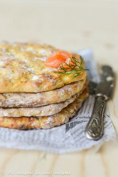 finnish flat bread with potatoes (potato rieska)/kartuli-rieska