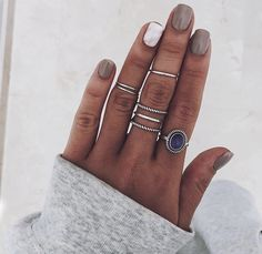 Simple Jewelry, Cute Jewelry, Women Jewelry, Jewelry Accessories, Silver Jewelry, Nail Color Combos, Nail Colors, Fun Nails, Pretty Nails