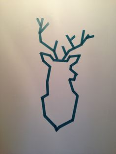 Use masking tape and paint a cool design on top! Christmas Drawing, Christmas Art, Masking Tape, Tape Wall, Washi Tape Crafts, Deer Design, Diy Wall Decor, Diy Art, Wall Decor