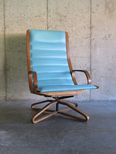 mid century LOUNGE CHAIR by PLYCRAFT