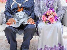 Suhakam sokong usia minimum perkahwinan perempuan dinaikkan kepada 18 tahun   Suhakam sokong usia minimum perkahwinan perempuan dinaikkan kepada 18 tahun | Suruhanjaya Hak Asasi Manusia Malaysia (Suhakam) menyokong saranan Kementerian Pembangunan Wanita Keluarga dan Masyarakat (KPWKM) untuk menaikkan usia minimum perkahwinan kepada 18 tahun bagi kanak-kanak perempuan Islam di negara ini.  Pengerusinya Tan Sri Razali Ismail berkata saranan ini mematuhi Akta kanak-kanak 2001 yang mentakrifkan…