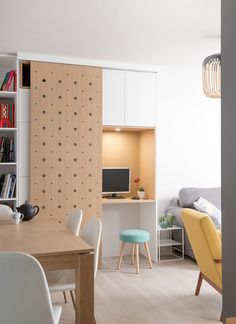 House Tips And Techniques For home office design on a budget Home Office Design, Home Office Decor, Interior Design Kitchen, House Design, Office Desk, Hawaiian Home Decor, Lyon, New Room, Interior Inspiration