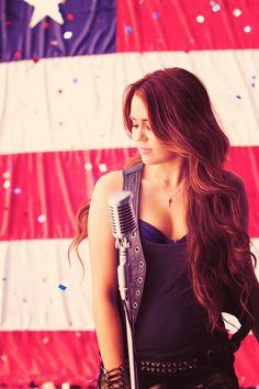Miley Cyrus , cantante & actriz