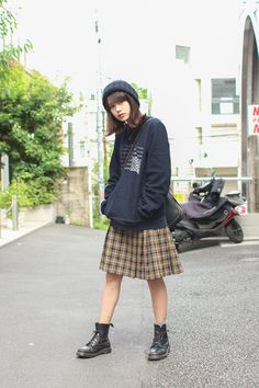 "my-selfish-love: "" Tomoco Nozaki "" Asian Street Style, Japanese Street Fashion, Tokyo Fashion, Harajuku Fashion, Korean Fashion, Fall Outfits, Cute Outfits, Style Snaps, Girl Fashion"