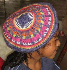 Eine farbenfrohe #Kinder #Baskenmütze aus einer der besten Wollsorten weltweit, der kostbaren #Alpakawolle. Inka, Beanie, Fashion, Ponchos, Accessories, Alpacas, Camel, Sheep, Arts And Crafts