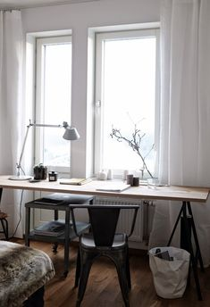 langer Schreibtisch am Fenster STIL INSPIRATION