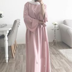 Niqab Fashion, Muslim Fashion, Modest Fashion, Fashion Outfits, Fashion Quiz, Classy Fashion, 80s Fashion, French Fashion, Fashion Tips