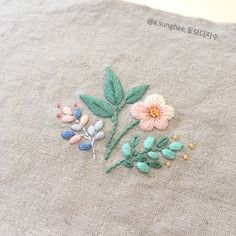 The Beauty of Japanese Embroidery - Embroidery Patterns Embroidery Tools, Hand Embroidery Flowers, Sashiko Embroidery, Baby Embroidery, Couture Embroidery, Japanese Embroidery, Hand Embroidery Patterns, Ribbon Embroidery, Embroidery Stitches