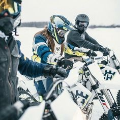 "462 Me gusta, 1 comentarios - Husqvarna Motorcycles Canada (@husqvarnacanada) en Instagram: ""Happy Friday Everyone! Time to round up your crew and make some weekend memories. #friends…"""