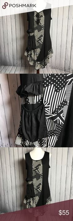 Unique Fun Dress UK & USA Design Super cute blend of UK Union Jack and the US Stars and Stripes.  Convenient pocket.  Excellent condition  Size Medium  Perfect with leggings and ankle boots Aster Dresses Midi
