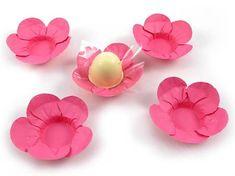 Forminhas em formato de flor para doces finos