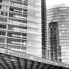 Bahnhof Potsdamer Platz #berlinstories #preinstaera #blastfromthepast Photoshooting Berlin © elafini