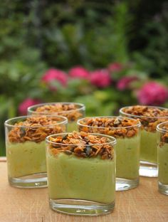 Verrines guacamole à la courgette et granola salé {Battle Food #22} - La cuisine d'Anna et Olivia