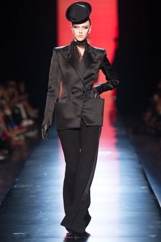 See the complete Jean Paul Gaultier Fall 2013 Couture collection.
