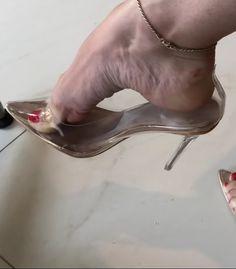 Beautiful Toes, Beautiful High Heels, Sexy Legs And Heels, Hot High Heels, Feet Soles, Women's Feet, Talons Sexy, Clear Heels, Sexy Toes