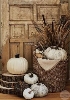 Fall home decor Fall farmhouse home decor. How to style a fall basket Fall home decor Fall farmhouse Thanksgiving Decorations, Seasonal Decor, Holiday Decor, Fall Decorations, Thanksgiving Ideas, Decoration Inspiration, Autumn Inspiration, Decor Ideas, Fall Home Decor
